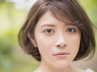 【おちょやん】キャストまま母・栗子役|宮澤エマさんの役柄・華麗なる家族と恋人は?