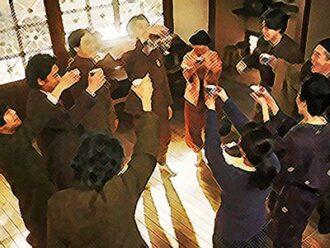 おちょやん ネタバレ17週85話 全員揃って祝杯を上げる家庭劇のイラスト