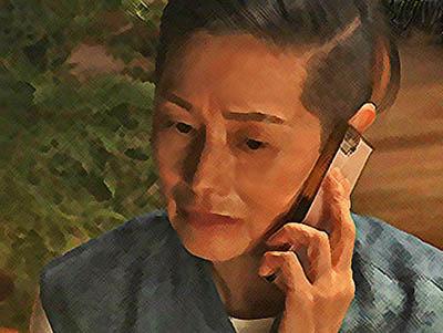 おかえりモネ あらすじネタバレ 1週5話 龍己と電話をするサヤカのイラスト